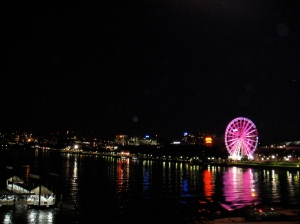 ferris wheel; brisbane river